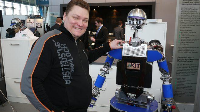 В 2012 году в Ганновере на CeBIT родилась идея создать отечественную отрасль по робототехнике!